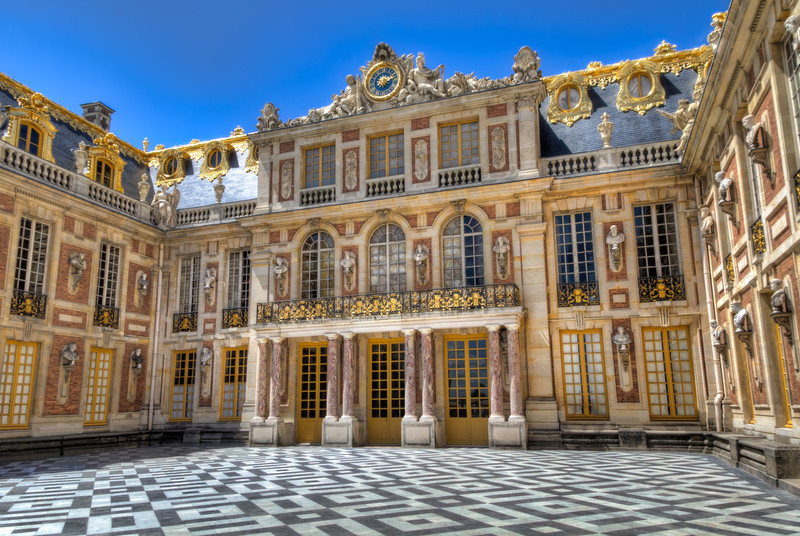 The previous occupants of the Palace of Versailles had no lack of places to relax. How about a court that looked upon almost 50 statutes lining the walls and roofs? Photo by Tim Stanley Photography.